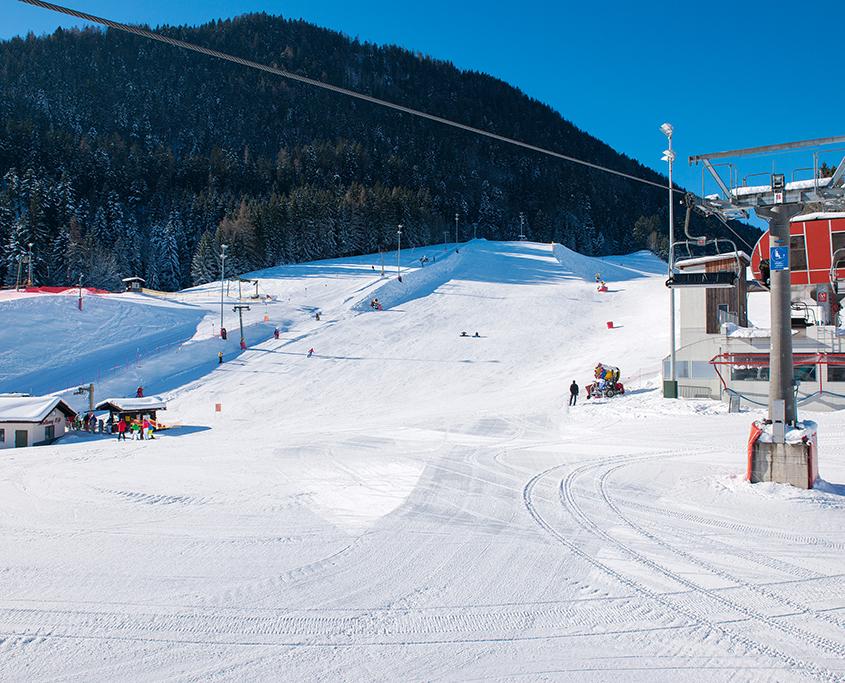 Skipiste mit 4er Sesselbahn in Oberaudorf-Hocheck