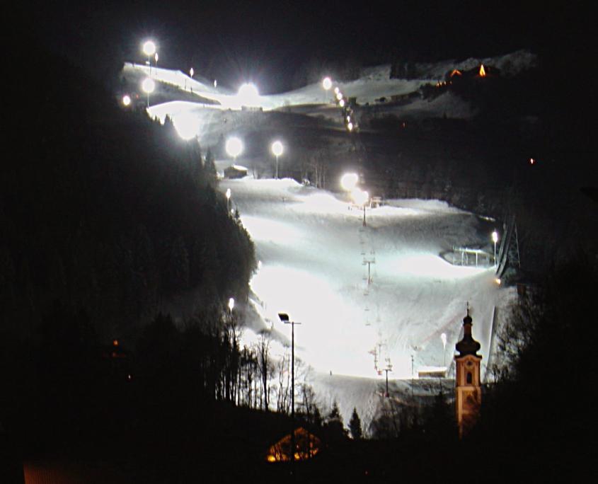 beleuchtete Flutlichtpiste in Oberaudorf
